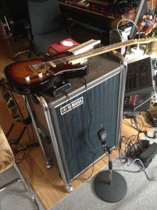 Yamaha Leslie, med ett mycket trevligt sound. Funkar till det mesta.