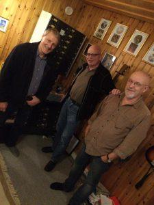 3/4 delar av grabbarna i bandet som andas och lever Lousiana blues. Gästade POL Studion några dagar, Deras backline består bl.a. av allt från resväskor till Dynacord Delay.